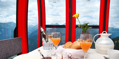 Gondola breakfast